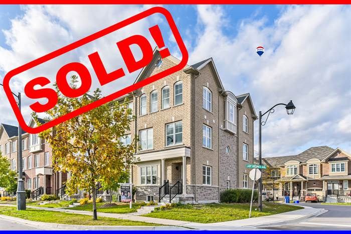 ***SOLD IN 6 DAYS***SOLD OVER ASKING***Spacious & Charming Corner Unit FREEHOLD Townhouse!